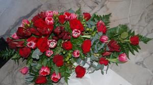 DSC_1010-blomster_kistedekorasjon_begravelse